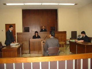 被告人質問   裁判所